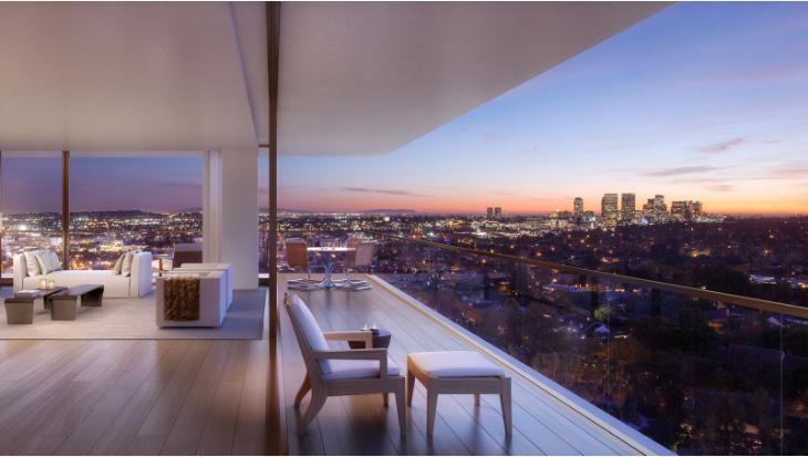 Phòng khách và ban công của căn hộ The West Hollywood Edition